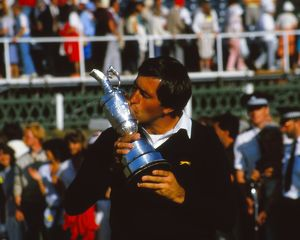 Seve Ballesteros kisses the Claret Jug Trophy 1984